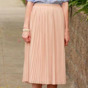 H&M Blush Pink Pleated Midi Chiffon Skirt US4